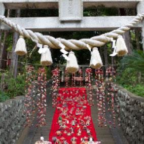 雛飾り神社奉納